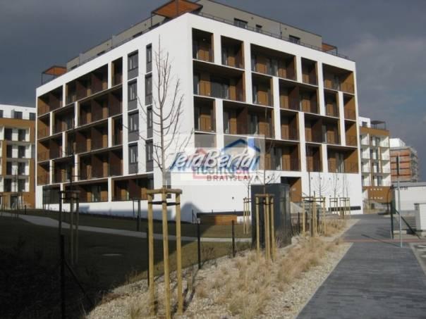 Ponúkame na predaj 1 - izbový byt s garážovím státim v NOVOSTAVBE Slnečnice vila domy, ul. Žltá, Petržalka, Bratislava V., foto 1 Reality, Byty   Tetaberta.sk - bazár, inzercia zadarmo