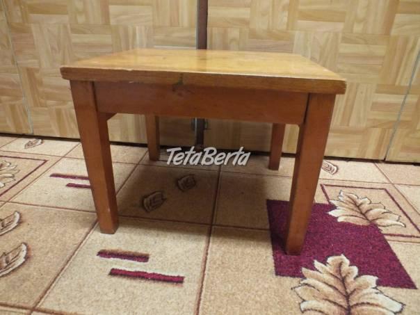 Predám stolček pod kvety. , foto 1 Dom a záhrada, Stoly, pulty a stoličky   Tetaberta.sk - bazár, inzercia zadarmo