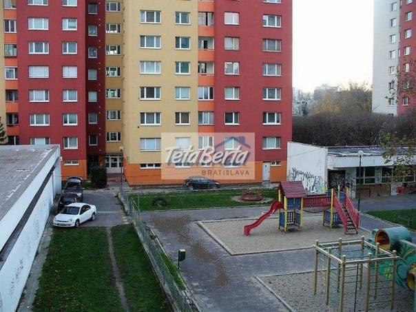 Ponúkame na predaj 3 - izbový byt ul. Furdekova, Petržalka - Starý háj, Bratislava V. Čiastočná rekonštrukcia. , foto 1 Reality, Byty | Tetaberta.sk - bazár, inzercia zadarmo