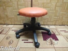 Predám otočnú stoličku na kolieskach ku klavíru-oranžová. - , Dom a záhrada, Stoly, pulty a stoličky  | Tetaberta.sk - bazár, inzercia zadarmo