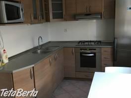 Prenájom novostavby 2 izbového bytu na Majerníková ulica, Dlhé Diely , BA IV + parkovacie miesto v garáži