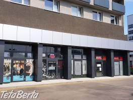 Prenájom obch. priestoru /18 m2/ na prízemí Hotela Bratislava , Reality, Kancelárie a obch. priestory  | Tetaberta.sk - bazár, inzercia zadarmo