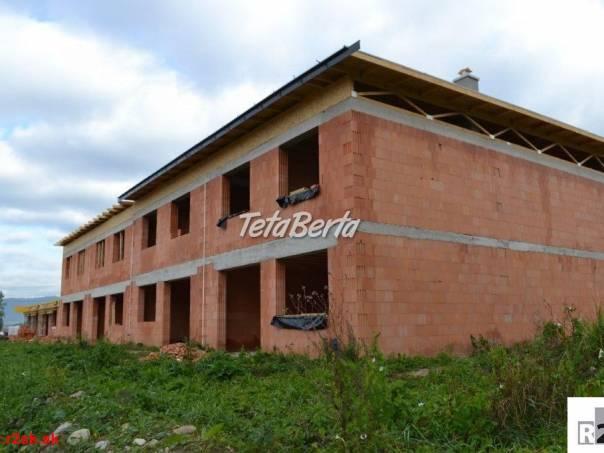 Predáme 2 podlažný radový RD, holodom, Žilina - Mojš, 140.000,- € /bez DPH/, R2 SK., foto 1 Reality, Domy   Tetaberta.sk - bazár, inzercia zadarmo