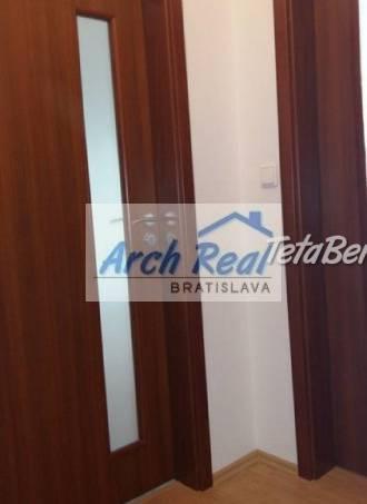 Ponúkame na predaj 2 - izbový (1,5-izb.) byt ul. Martinčekova, Ružinov - Nivy, Bratislava II. Nová kompletná rekonštrukcia, , foto 1 Reality, Byty | Tetaberta.sk - bazár, inzercia zadarmo