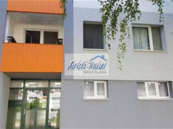 Ponúkame na predaj 4 - izbový byt ul. Lietavská, Petržalka - Lúky, Bratislava V, foto 1 Reality, Byty   Tetaberta.sk - bazár, inzercia zadarmo