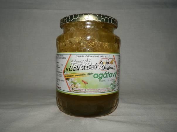 Agátový včelí med s výrezom medového plástu, foto 1 Dom a záhrada, Zo záhradky | Tetaberta.sk - bazár, inzercia zadarmo