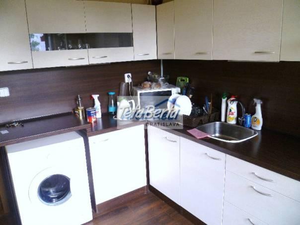 Ponúkame na predaj 4 - izbový byt ul. Romanova, Petržalka - Zrkadlový háj, Bratislava V., foto 1 Reality, Byty | Tetaberta.sk - bazár, inzercia zadarmo