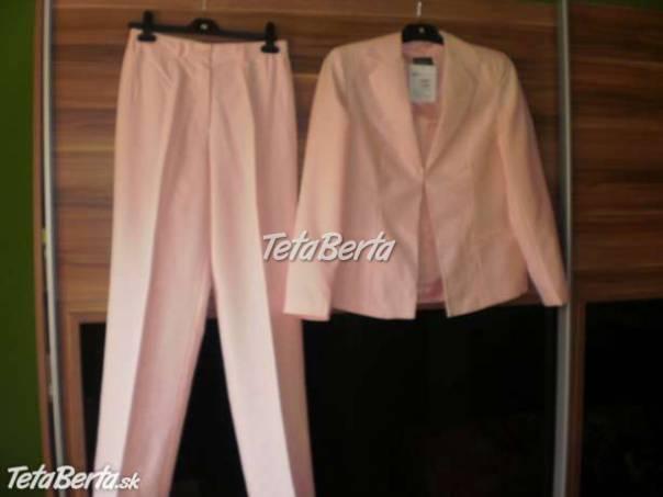 7f3cc3071075 elegantný nohavicový kostým - ružový