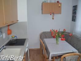 Prenájom čiastočne zariadeného 3-izbového bytu na Bebravskej ulici v mestskej časti