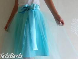 Predám tyrkysovú tylovú sukňu s motýlikom