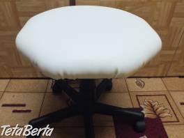 Predám bielu otočnú stoličku na kolieskach. , Dom a záhrada, Stoly, pulty a stoličky  | Tetaberta.sk - bazár, inzercia zadarmo