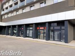 Prenájom obch. priestoru /18 m2/ s výkladom v Hoteli Bratislava , Reality, Kancelárie a obch. priestory  | Tetaberta.sk - bazár, inzercia zadarmo
