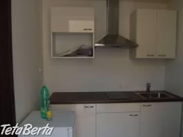 Ponúkame na prenájom 1 izbový byt s veľkou terasou na Lazaretskej ul. v centre Starého