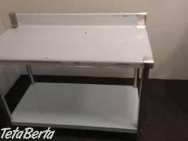Nerezovy montovaný pracovný stôl s lemom , Obchod a služby, Stroje a zariadenia  | Tetaberta.sk - bazár, inzercia zadarmo