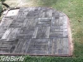 Imitácia dreva, sedliacka dlažba  a šlapáky