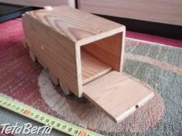 Predám drevené autíčko. , Pre deti, Školské potreby  | Tetaberta.sk - bazár, inzercia zadarmo