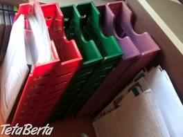 Predám pastove kancelarske zakladace. 1ks - 1€. 2ks červené, 2ks zelené a 2ks fialové.