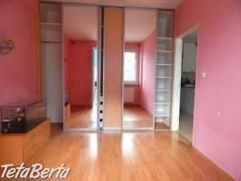 2 izb. byt s balkónom pri OC Max, Pod sokolice, TN