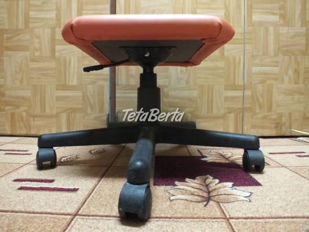 Predám stoličku otočnú ku klavíru oranžovú., foto 1 Dom a záhrada, Záhradný nábytok, dekorácie | Tetaberta.sk - bazár, inzercia zadarmo