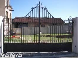 Nevšední zámeckou bránu prodám. , Dom a záhrada, Brány a ploty  | Tetaberta.sk - bazár, inzercia zadarmo