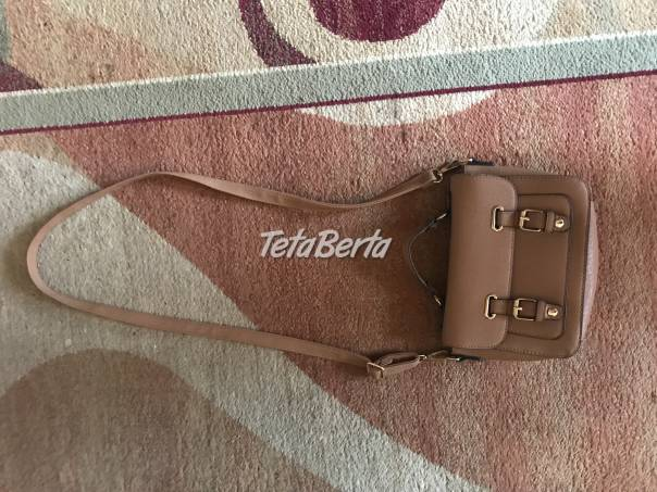 Predám hnedú kabelku. Taška s ramienkom má 70 cm, bez ramienka - šírka je 29 cm a dlžka je 19 cm. , foto 1 Móda, krása a zdravie, Kabelky a tašky   Tetaberta.sk - bazár, inzercia zadarmo