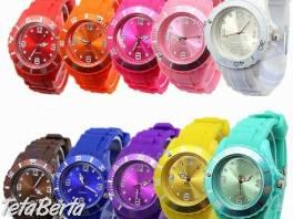 Silikonové analógové quartz hodinky , Móda, krása a zdravie, Hodinky a šperky  | Tetaberta.sk - bazár, inzercia zadarmo