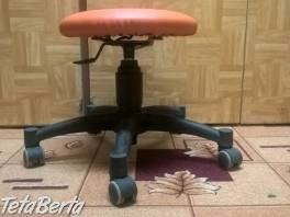 Predám otočnú stoličku na kolieskach ku klavíru-oranžová. , Dom a záhrada, Stoly, pulty a stoličky  | Tetaberta.sk - bazár, inzercia zadarmo