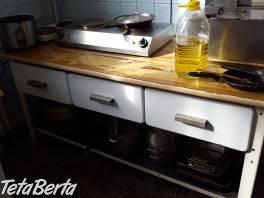 Predám retro stôl za 80eur , Dom a záhrada, Stoly, pulty a stoličky  | Tetaberta.sk - bazár, inzercia zadarmo