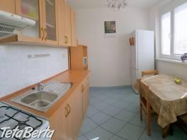 Slnečný 1-i byt na začiatku Jazera (v lokalite, ktorú si zamilujete)