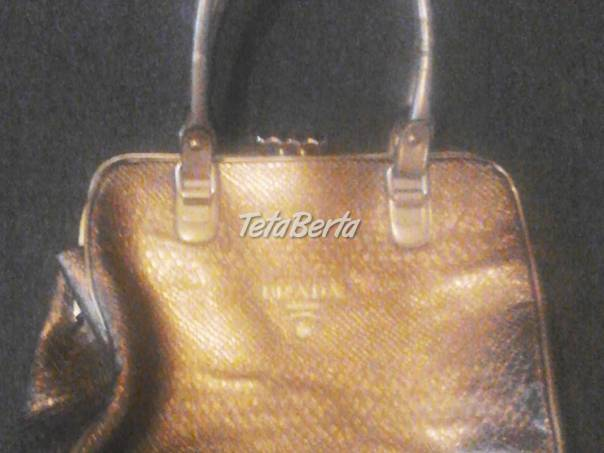 predam novu zlatu kabelku zn. Prada c984c0b2514