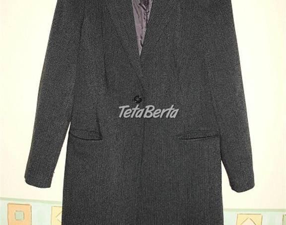 0a5239d95f53 Predám čierny nohavicový kostým s predĺženým sakom