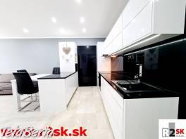 Predáme luxusne prerobený  3 - izbový byt, Žilina – Bulvár, R2 SK. , Reality, Byty  | Tetaberta.sk - bazár, inzercia zadarmo