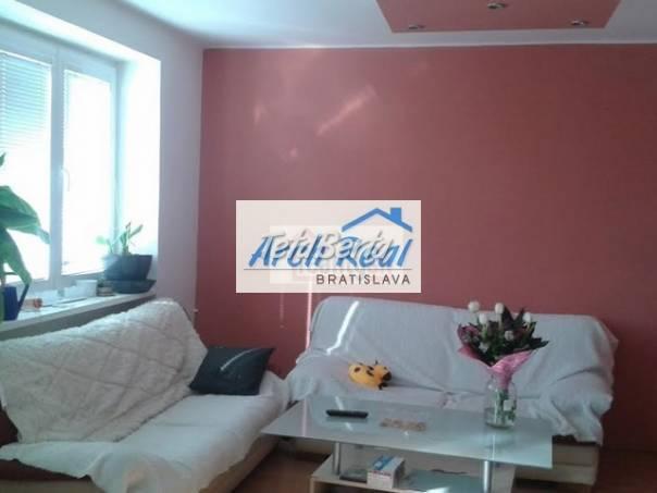 Ponúkame na predaj veľký 3 - izbový tehlový byt, ul. Vrútocká, Ružinov – Trnávka, Bratislava II. Kompletná rekonštrukcia, foto 1 Reality, Byty | Tetaberta.sk - bazár, inzercia zadarmo