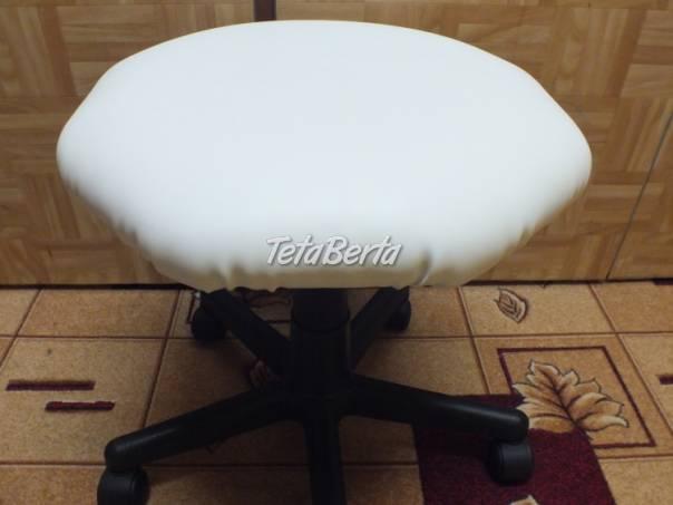 Predám bielu otočnú stoličku na kolieskach., foto 1 Dom a záhrada, Stoly, pulty a stoličky | Tetaberta.sk - bazár, inzercia zadarmo