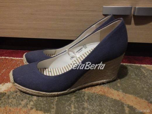 Predáme dámske topánky od F&F,tmavomodré. Vôbec nenosené, nové. Veľkosť je 38., foto 1 Móda, krása a zdravie, Obuv | Tetaberta.sk - bazár, inzercia zadarmo