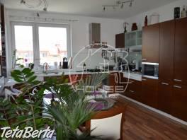 PRENÁJOM:  2 izbový byt sloggiou aparkovným  miestom, kompletne zariadený, Bratislava III, Nové mesto, výmera 65m2