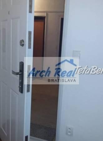 Ponúkame na predaj 2 - izbový byt ul. Mozartova, Staré Mesto, Bratislava I. Nová kompletná rekonštrukcia, foto 1 Reality, Byty | Tetaberta.sk - bazár, inzercia zadarmo