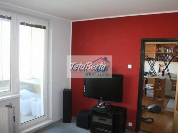 Ponúkame na predaj 2 - izbový byt (dvojgarsónka) 2 x loggia, ul. Blagoevova, Petržalka - Ovsište, Bratislava V. , foto 1 Reality, Byty | Tetaberta.sk - bazár, inzercia zadarmo