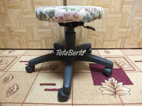 Predám stoličku na kolieskach taburetku., foto 1 Dom a záhrada, Stoly, pulty a stoličky | Tetaberta.sk - bazár, inzercia zadarmo