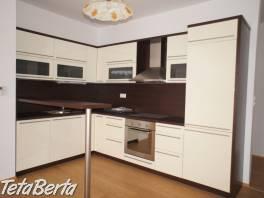 Vlastník predá 2 izbový byt v novostavbe (2010) na začiatku Petržalky - Bosákova ul. s výhľadom na Bratislavský hrad a Kamzík , Reality, Byty  | Tetaberta.sk - bazár, inzercia zadarmo