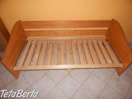 Drevená posteľ z masívu (dá sa využívať ako dvojlôžko) , Dom a záhrada, Postele a matrace  | Tetaberta.sk - bazár, inzercia zadarmo