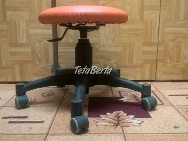 Predám otočnú stoličku na kolieskach ku klavíru-oranžová. , foto 1 Dom a záhrada, Stoly, pulty a stoličky | Tetaberta.sk - bazár, inzercia zadarmo